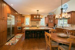 MORIN_KITCHEN_FULL_VIEW_2